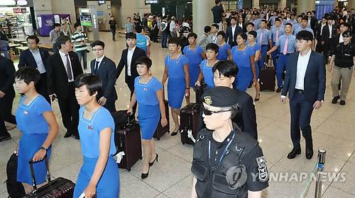 朝鲜亚运代表团飞赴印尼