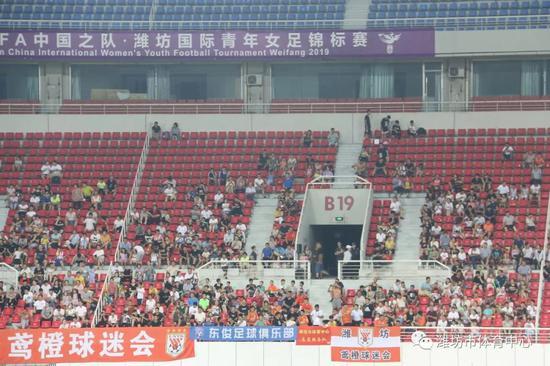 铿锵玫瑰绽放!中国U16女足潍坊夺冠 3战全胜+0失球