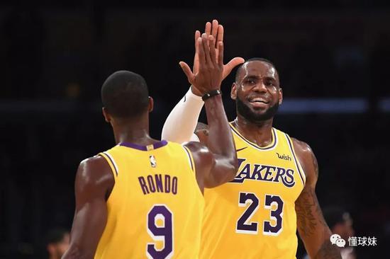队内唯一控卫复出了,NBA最恐怖球队终于齐人