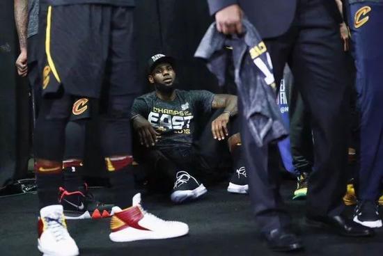詹姆斯伤势加重或将缺席全明星还有球迷喷? NBA新闻 第12张