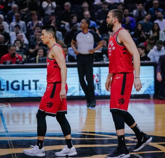 林书豪迎来猛龙首秀!他终于可以打季后赛了! NBA新闻 第11张