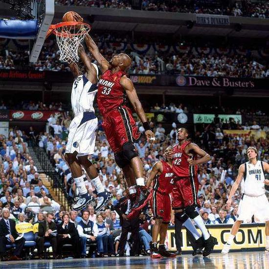 NBA励志故事:麦迪只能打4年 林书豪睡队友沙发