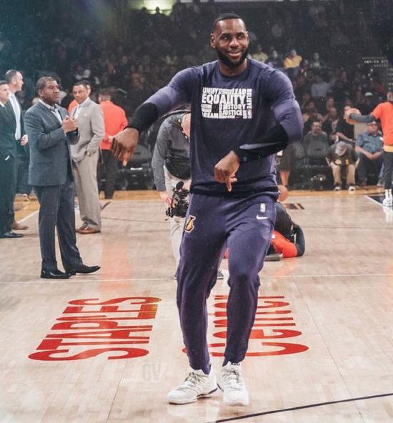 湖人再签两人!最多效力45天!詹姆斯获人民冠军 NBA新闻 第12张