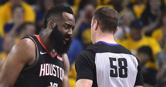 [浪]NBA实行新规则!球队可挑战判罚,瞎子裁判慌了 NBA新闻 第1张