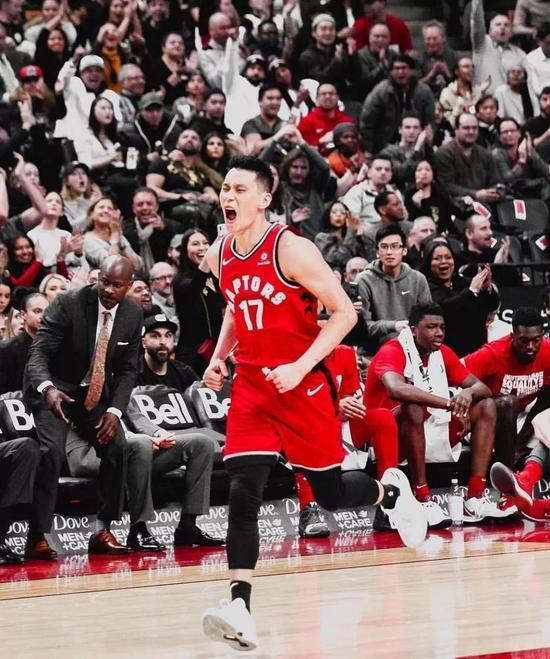 林书豪猛龙首秀!直接1打3!终于可以打季后赛了 NBA新闻 第12张