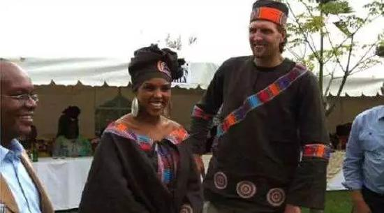 E妹八卦|娶了黑人的白人球星!他情史像警匪片 NBA新闻 第11张