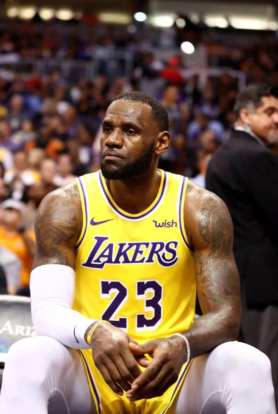 詹姆斯狂砍46分!拒绝0-2,复盘神奇的首轮G2 NBA新闻 第25张