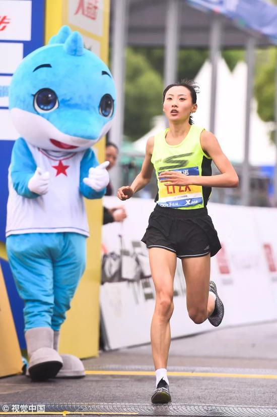 2019武汉马拉松特写:江湖好汉来跑马_跑步频道