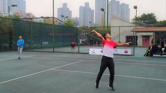 四川省第二十四届职工网球比赛泸州市举行