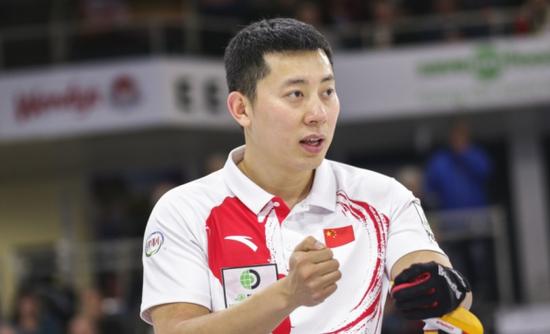 中国冰壶男队任重道远。