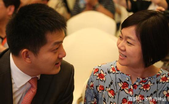 42岁围棋冠军常昊:妻子恩爱如初 女儿像爸爸