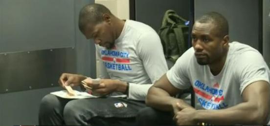 什么叫五彩斑斓的黑啊?杜兰特的人生就是! NBA新闻 第4张