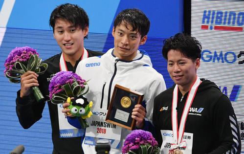 男子200米仰泳决赛入江陵介夺冠