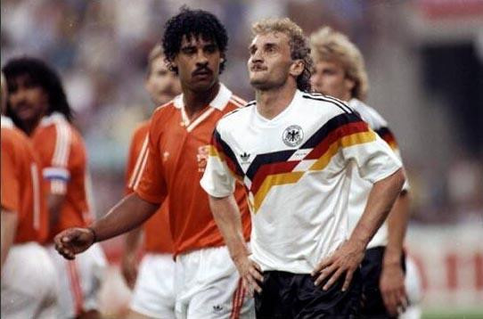 当年里杰卡尔德世界杯上向沃勒尔吐口水