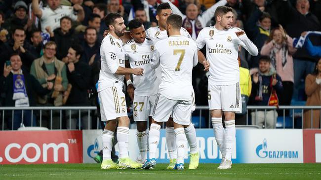 皇马球员庆祝罗德里戈进球