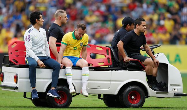 巴萨妖星无缘巴西美洲杯揭幕战 皇马铁腰誓言夺冠