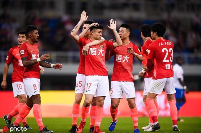 中超-埃神回归首秀进球黄牌满天飞 恒大3-0泰达
