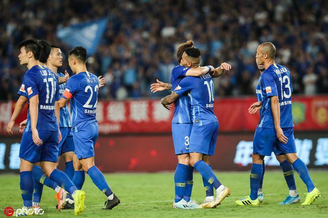 苏宁主场3-0大胜
