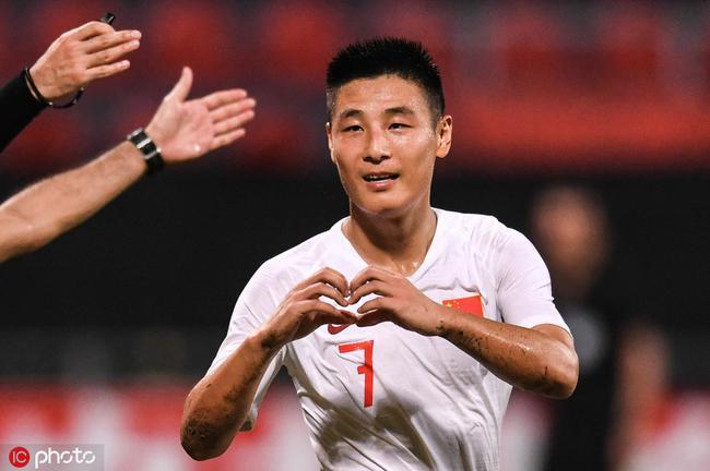 武磊刚马不停蹄地为中国队踢了一场比赛