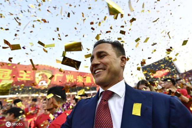 卡纳瓦罗终于拿到联赛冠军