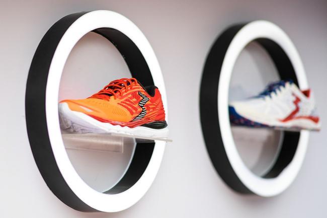 361°国际线专业跑鞋产品