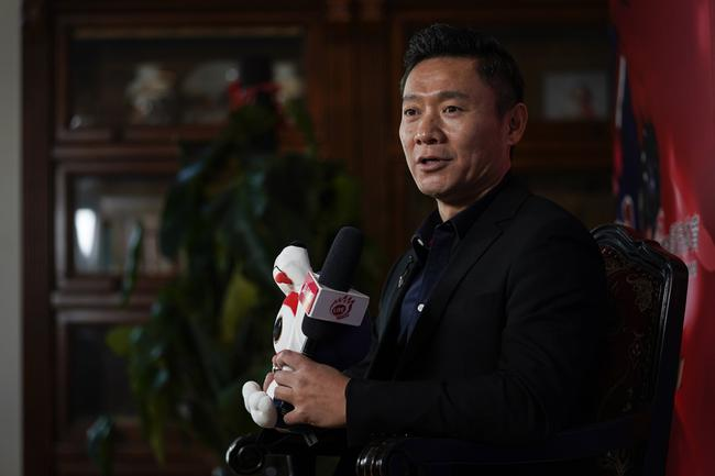 魏江雷:以体育人推动冰球运动发展