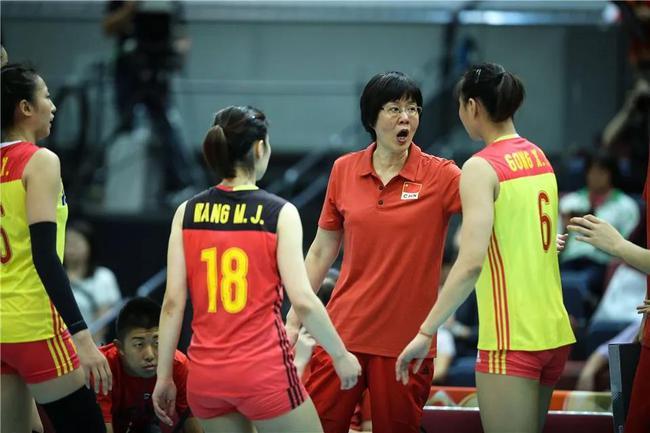 中国女排直落3局击败老对手泰国队