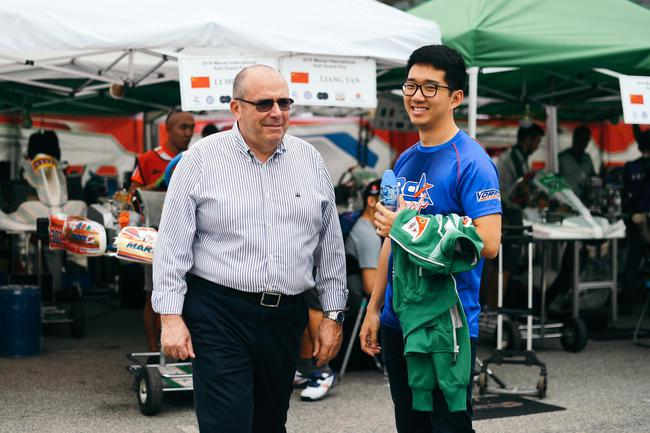 张昊鹏与Tony Kart 负责人