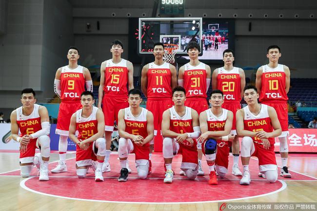 中国男篮本场合影
