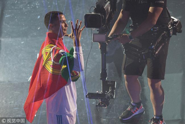 C罗夺得上赛季欧冠冠军