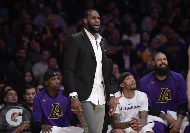 詹姆斯转会竟搞崩NBA收视率!萧华都承认了