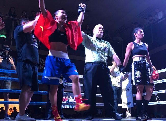 女将殷梵客场获WBC世界银腰带
