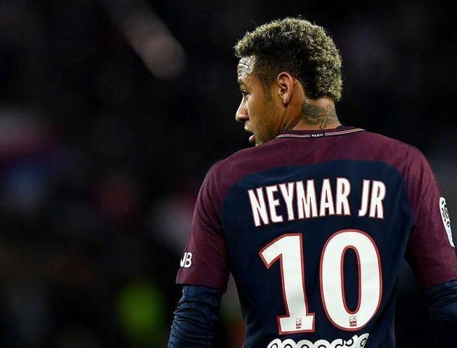 曝巴黎向曼联推荐内马尔遭拒 只有皇马对他有兴趣