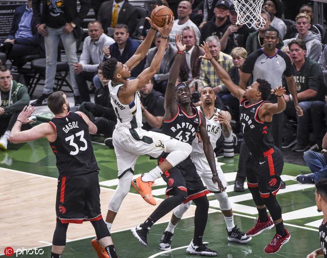 越落后越猛!季后赛雄鹿落后2位数分差,4胜1负 NBA新闻