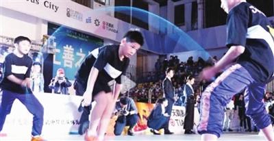 黄俊凯冲破跳绳世界纪录
