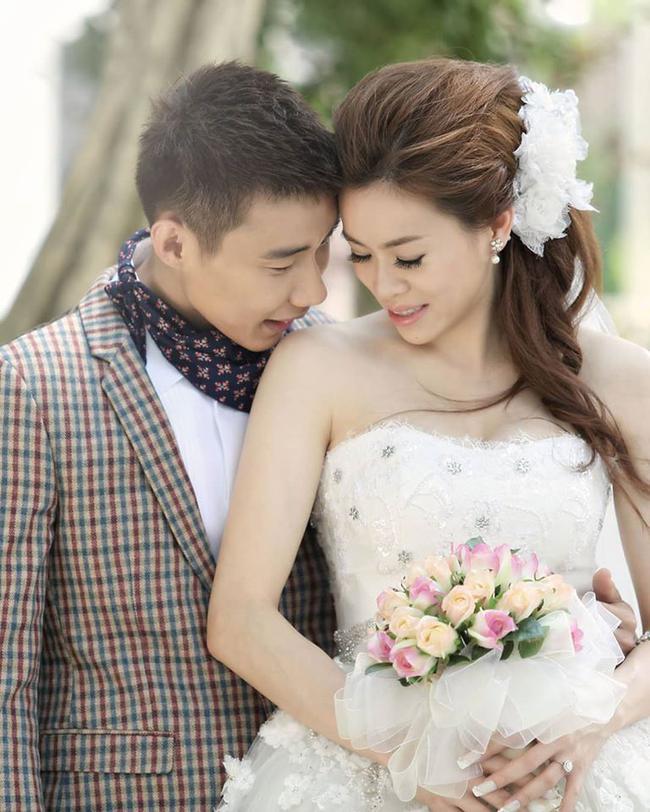 李宗伟与黄妙珠的婚纱照