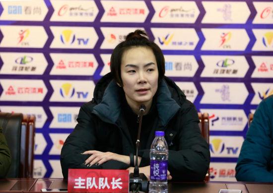 云南女排队长刘梦雅