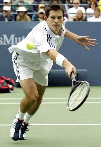 ...曼在2002年美国网球公开赛男单比赛中以3-0击败比利时选手诺