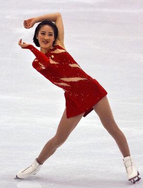 图文:花样滑冰世锦赛 关颖珊的表演很可爱