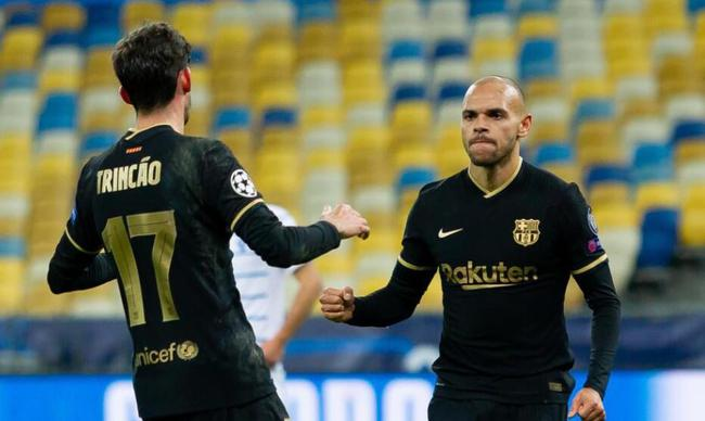 欧冠-梅西轮休 边缘中锋2射1传 巴萨4-0提前出线