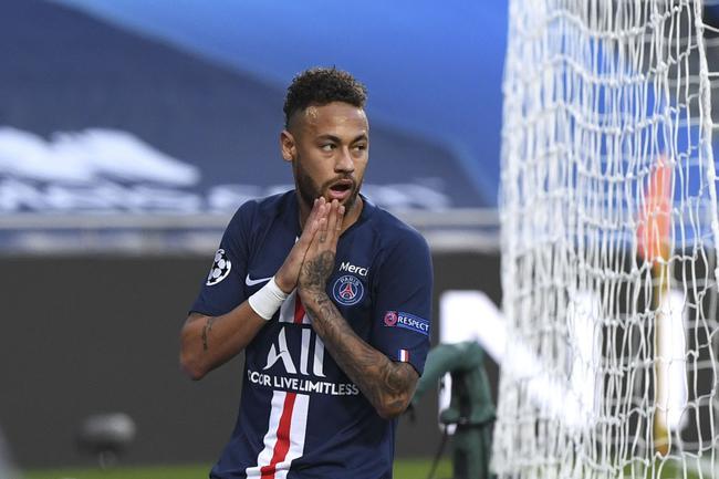 欧冠-迪马利亚2传1射 内马尔助攻 巴黎3-0进决赛