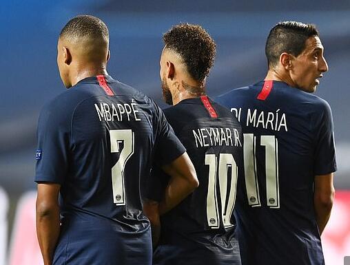 拜仁大胜背后仍显一隐患 名宿:这么踢会被巴黎打爆