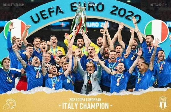 【意大利】足球回家了66分钟又离家出走 温布利被染成蓝色