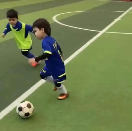 中国足球需要更多足球小将涌现 他们才是希望之光