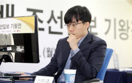 申旻埈在LG杯韩方赛场