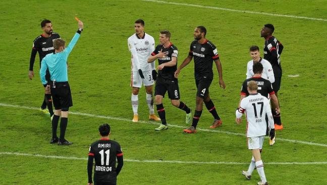 勒沃后防悍将德国杯染红停赛