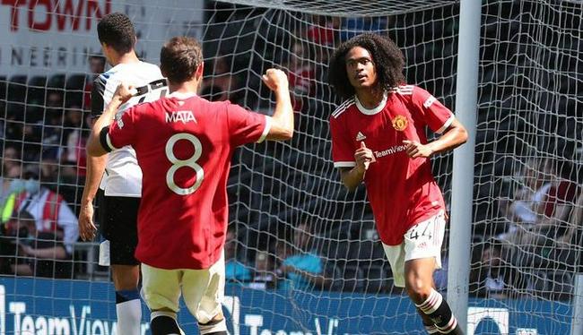 钟塔西进球,曼联2-1客胜