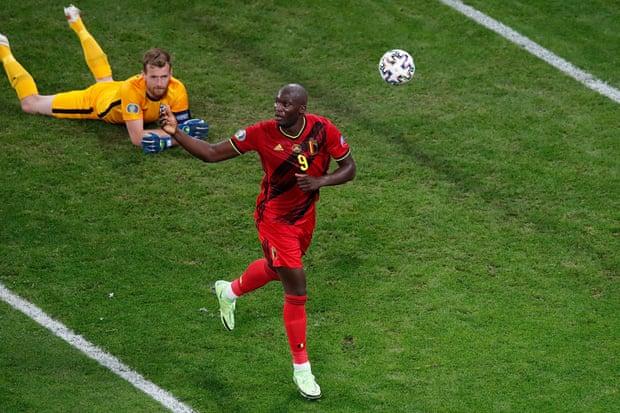 卢卡库进球,比利时2-0