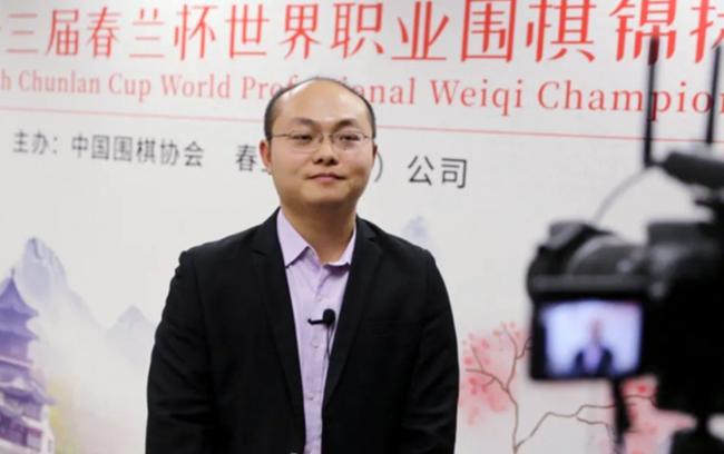 ▲中国排名第20位的唐韦星九段战胜了连续26个月占据中国排名第一的柯洁九段,进入决赛。