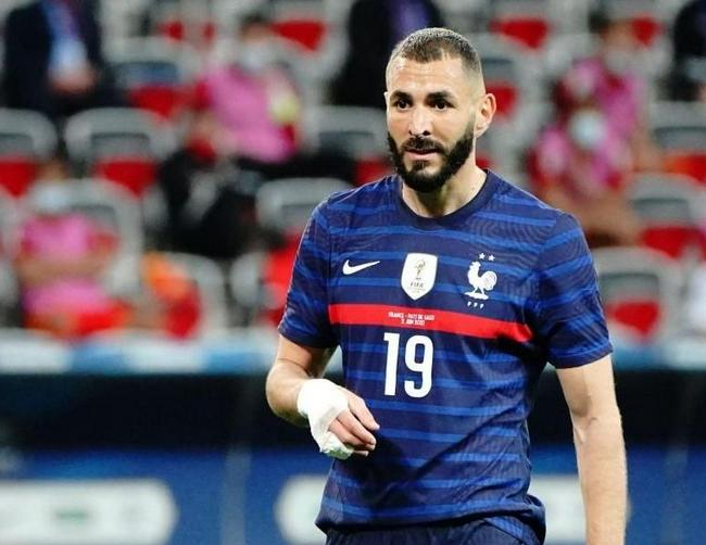 【进球】欧洲杯VAR获好评 本泽马进球被吹跻身最具争议判罚